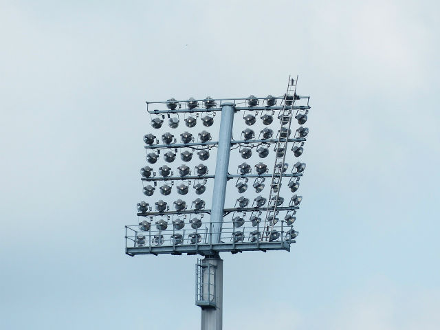 野球場のナイター照明