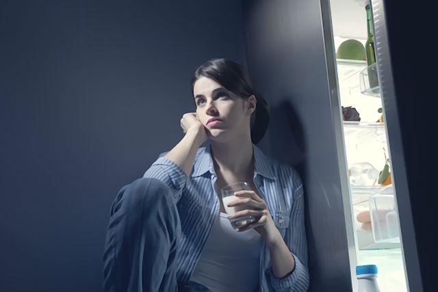 生活習慣が乱れている女性