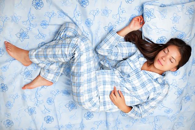 快眠するためのパジャマの選び方|汗の吸収・楽な恰好がポイント