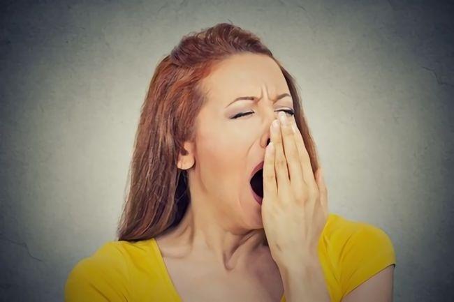 睡眠不足が影響する6つの美容トラブル|成長ホルモンを出す簡単な対策も