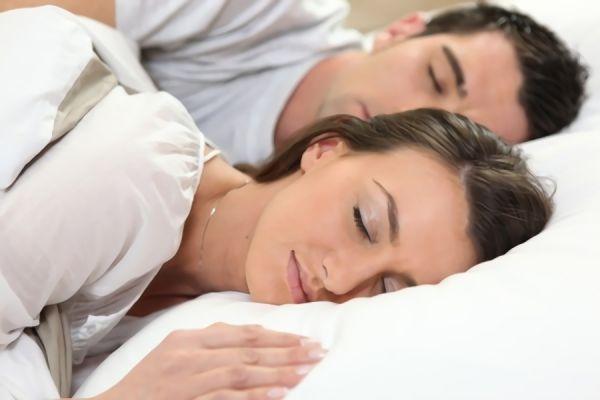 長い枕のメリット・デメリットとは?|おすすめのロングピロー5選