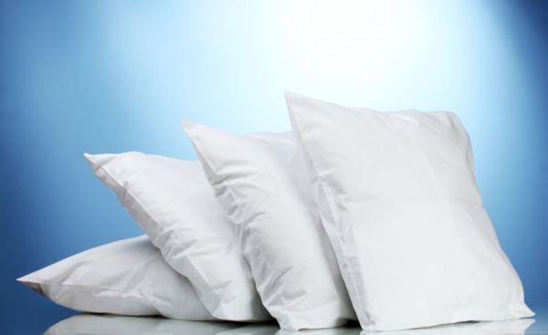 チープな安い枕の画像